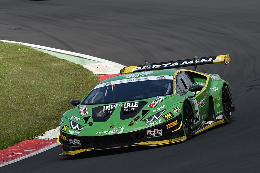Imperiale Racing takes the first win in the Italian GT Championship Sprint 2019 in Vallelunga